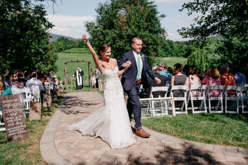 diamond v farm summer wedding